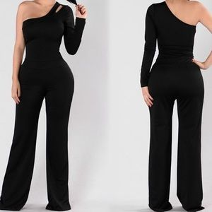 NWT Black One Shoulder Jumpsuit